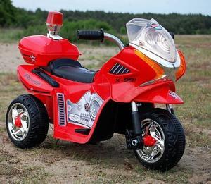 MOTOR, MOTOREK POLICYJNY Z KOGUTEM/WXE368 - 2833186680