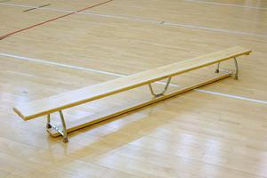 Ławka gimnastyczna z nogami metalowymi - 2825245045