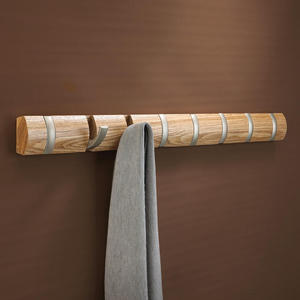 Umbra - duży wieszak na ubrania Flip - naturalne drewno - Umbra - duży wieszak na ubrania Flip - naturalne drewno - 2824446037