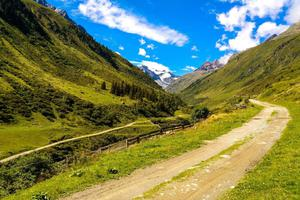 Fototapeta droga prze góry 607 - 2829823955