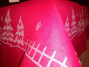 Obrus świąteczny Anna 85x85 czerwony z haftem Boże Narodzenie Eurofirany - 2823055084