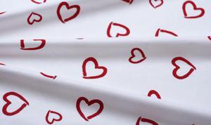 Pościel z kory Serca 140x200 wzór 721E Serca Czerwone na Białym Tle Walentynki Nowość