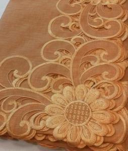Obrus haftowany SARA 140x220 pomarańczowy - 2850338126
