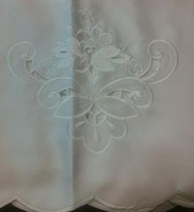 Obrus haftowany 150x220 CHO/07-2485/B atłasowy biały - 2849728864