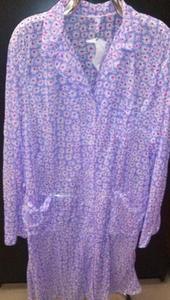 Fartuch damski stylonowy 176/112/120 fioletowy w kwiatki - 2852804342