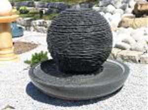 Kula granitowa fontanna