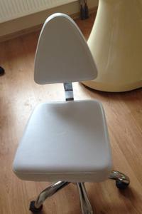 Pokrowce kosmetycznena krzesełko z oparciem VI - 2824756535
