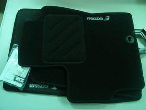 DYWANIKI WELUROWE MAZDA 3 BK /czarne z logo/ VIN - 2827787119