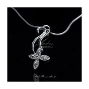 Wisiorek srebrny kwiatek z cyrkoniami - 2835353361