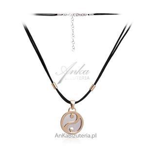 Modny naszyjnik srebrny pozłacany na czarnym sznureczku - 2835352694