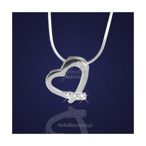 6df67362fec1 Biżuteria srebrna. Wisiorek w kształcie serduszka z cyrkoniami . -  2835351658