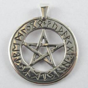 Pentagram z runami - 2827699237