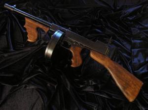 OSŁAWIONY GANGSTERSKI THOMPSON M1928 TOMMY GUN -AL CAPONE- - 2822870171