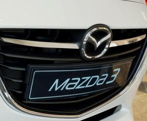 MAZDA 3 III SEDAN od 2013 Nakładki na grill stal połysk