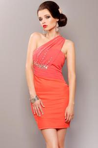 3701-3 Elegancka sukienka z usztywnianymi miseczkami i ozdobnymi kamieniami - arbuzowy - 1897957173