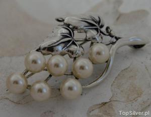 PERŁOWE GRONO - srebrna broszka z perłami