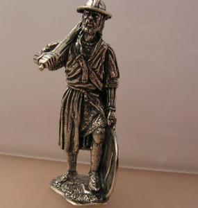PIECHUR - srebrna figurka - 2831092549