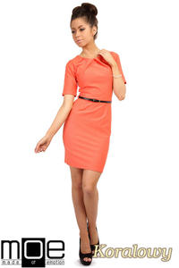 CM0219 Klasyczna elegancka sukienka ołówkowa - koralowa OUTLET