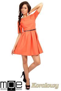 35ec3b9571 CM0224 Rozkloszowana sukienka kontrafałda z dzianiny - koralowa OUTLET MOE.  Sukienki