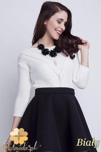 CM1461 Elegancki sweter z modnym wzorem - biały - 2832074870