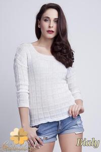 119a70187ec4 WYCOFANY Klasyczny sweter w kostki z rękawem 3 4 - biały - 2832074902