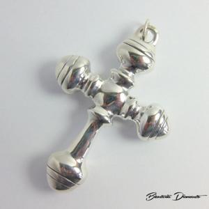 Duży wisior w kształcie krzyża - 2848156405