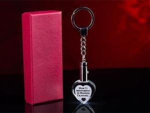 Grawerowany kryształowy brelok breloczek do kluczy LED serce + etui - 0232A - 2832956134