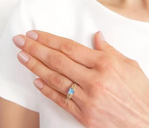 Pierścionek z żółtego złota z topazem Swarovski Ice Blue i diamentami AP-52Z-R - 2824314932
