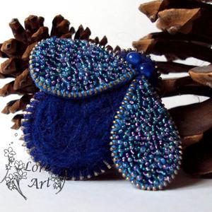 Szafirowa mucha- broszka z zamka (z opcją wisiora) - 2827495433