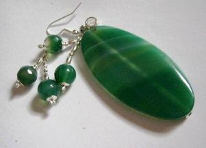 Zielone agaty - zestaw biżuterii, wisioreki i kolczyki - 2827525391