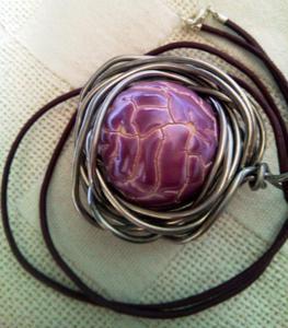 Czerwona kula, porcelana w drucie, metaloplastyka - 2827538777