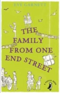 The Family From One End Street - 2839974535