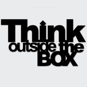 Napis na ścianę THINK OUTSIDE THE BOX czarny - 2822984068