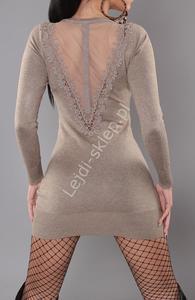 Dzianinowa sukienka w kolorze mokka z tiulem na plecach S901 - 2838392831