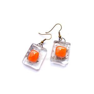 Simply orange on ear - 2823865438