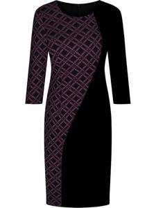 Sukienka wyszczuplająca Julianna V, dzianinowa kreacja w geometrycznym wzorze. - 2843378445