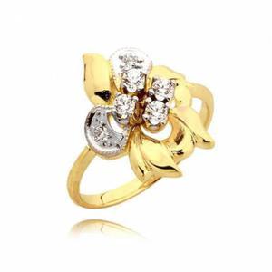 Bogato zdobiony pierścionek z cyrkoniami