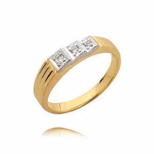 Piękny skromny pierścionek z trzema cyrkoniami