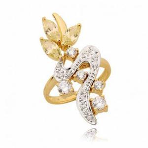Ślicznie ozdobiony pierścionek z cyrkoniami