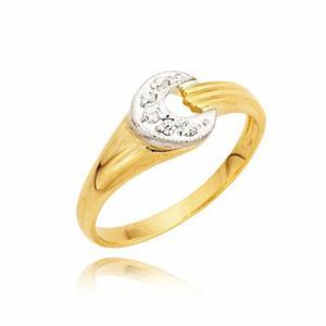 Delikatny złoty pierścionek z wstawką w kształcie półksiężyca z białego złota z cyrkoniami