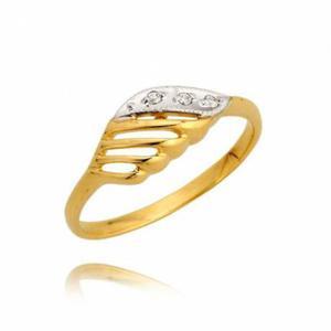 Złoty pierścionek z trzema cyrkoniami - 2722638660